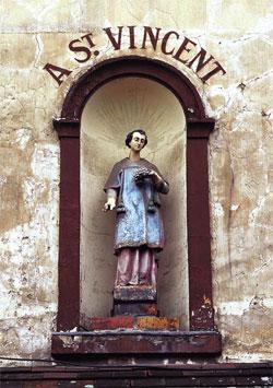 saint-vincent-statue1